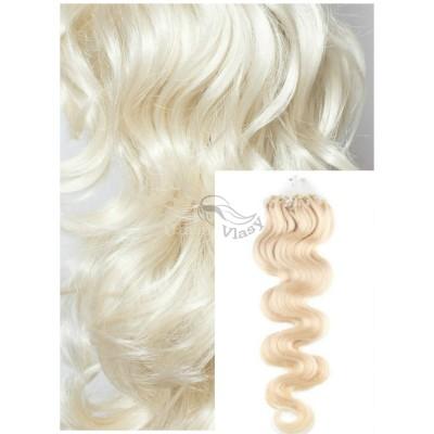 Vlnité micro ring vlasy, 60 cm 0,7g/pr., 50 pramenů - PLATINOVÉ