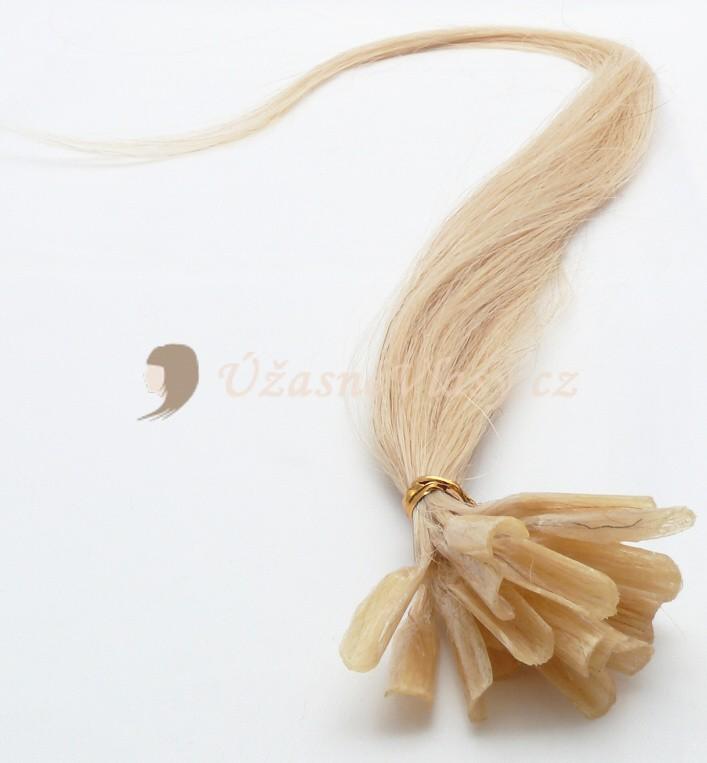 Nejsvětlejší blond vlasy k prodloužení - keratin, 60 cm, 25 pramenů (613)