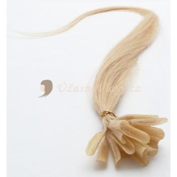 Nejsvětlejší blond vlasy k prodloužení - keratin, 50 cm, 20 pramenů (613)